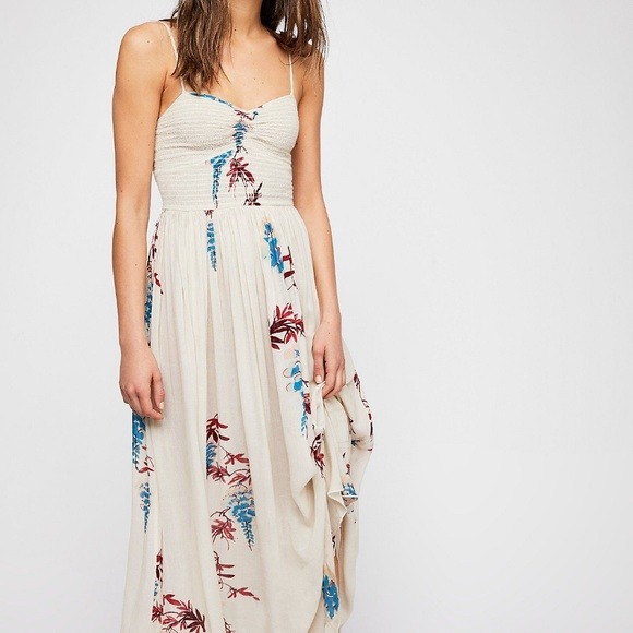 ed56215db82705 Free People Dresses   Nwt Beau Floral Printed Smocked Dress   Poshmark